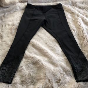 Lululemon Cropped Tights with reflective detail